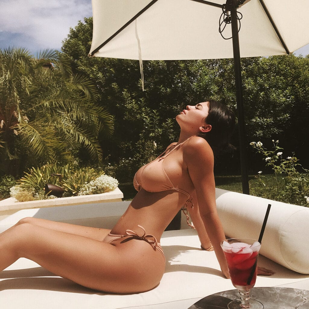 kylie-jenner-bikini-images-collection