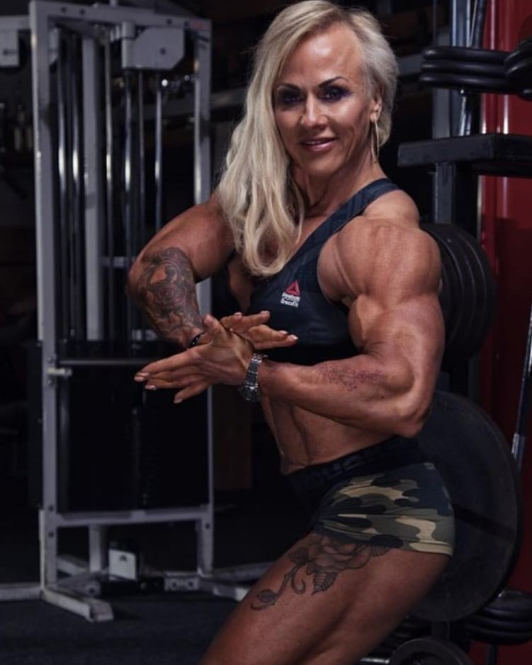 Girls-with-muscles-worldcelebritynews-2021-Sharon-madderson