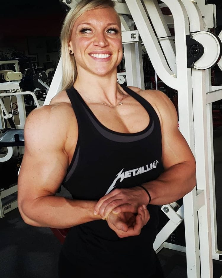 Girls-with-muscles-Angel-Rae-worldcelebritynews-2021